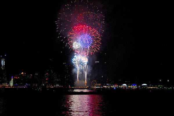 Photograph - Navy Pier Fireworks 4 by Lynn Bauer