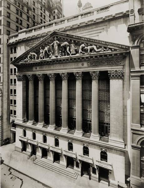 Business Cycles Wall Art - Photograph - New York Stock Exchange by Everett