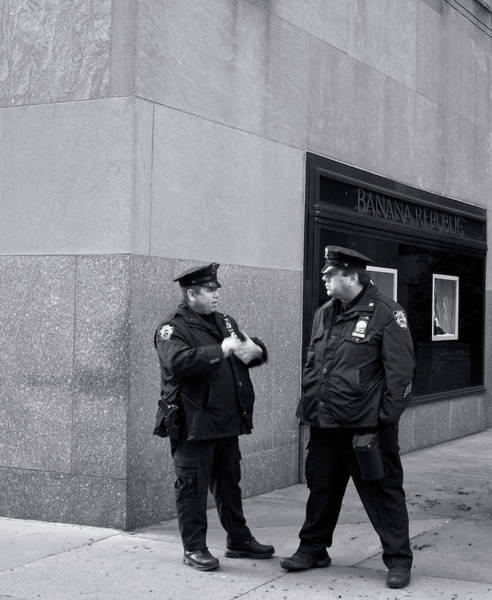 Photograph - Ny Beat Cops Holding The Banana Republic by Lorraine Devon Wilke