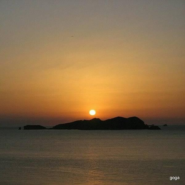 Wall Art - Photograph - O Mar, O Céu, O Sol E A Ilha #sunset by Gogliardo Maragno