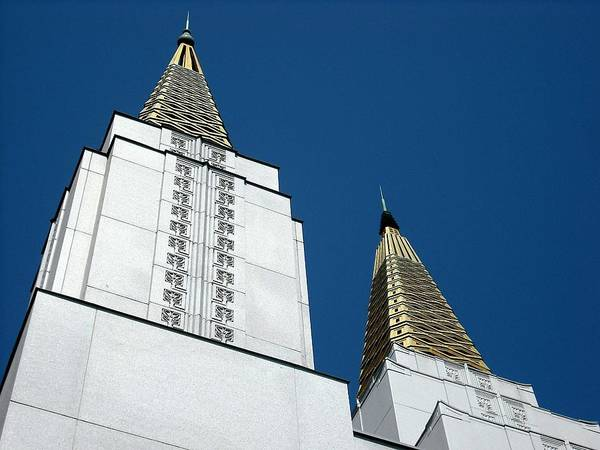 Photograph - Oakland Mormon Temple by Kelly Manning