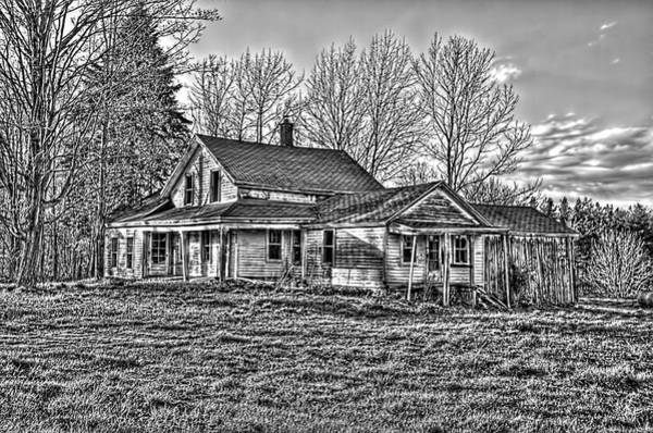 Photograph - Old Abandoned Farmhouse by Jim Lepard