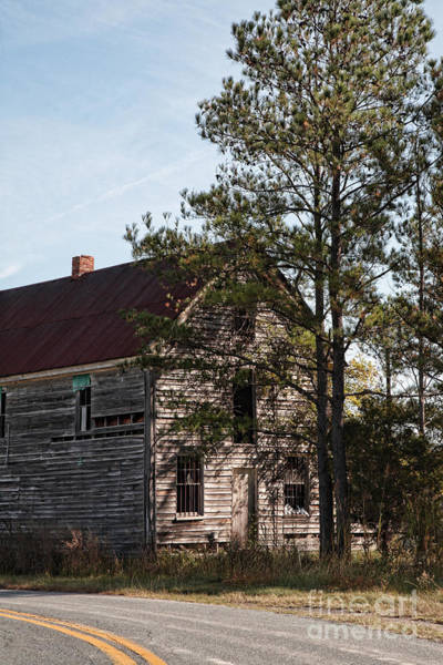 Wall Art - Photograph - Old Abandoned House Along Road by William Kuta