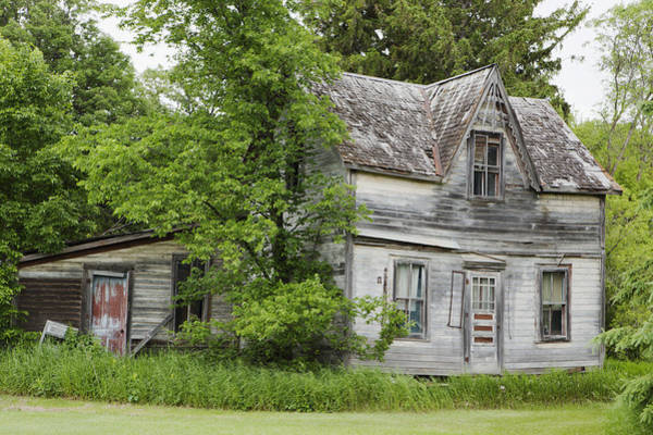 Abode Photograph - Old Farm House Manitoba, Canada by Susan Dykstra