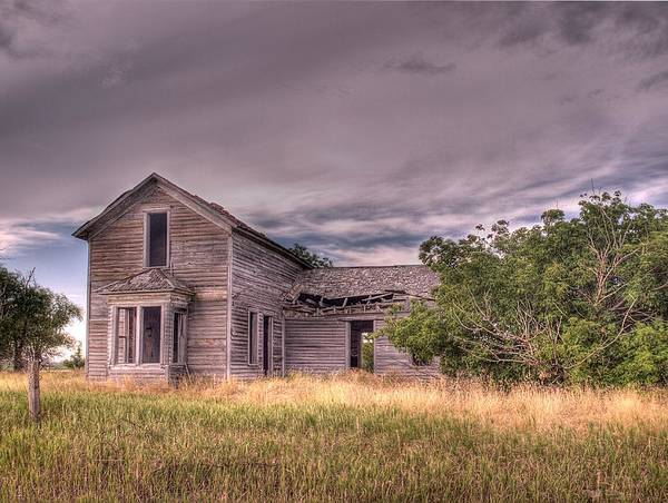 Photograph - Old Farmhouse by HW Kateley