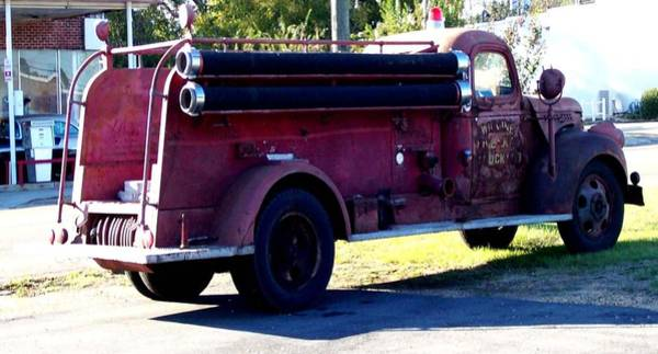 Old Red Truck Drawing - Old Red Fire Truck by De Beall