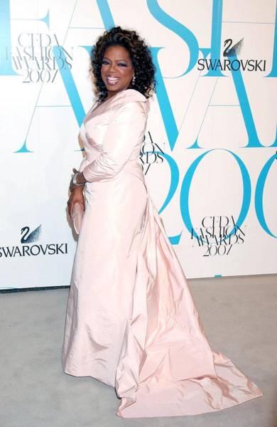 Oprah Wall Art - Photograph - Oprah Winfrey Wearign Ralph Lauren by Everett