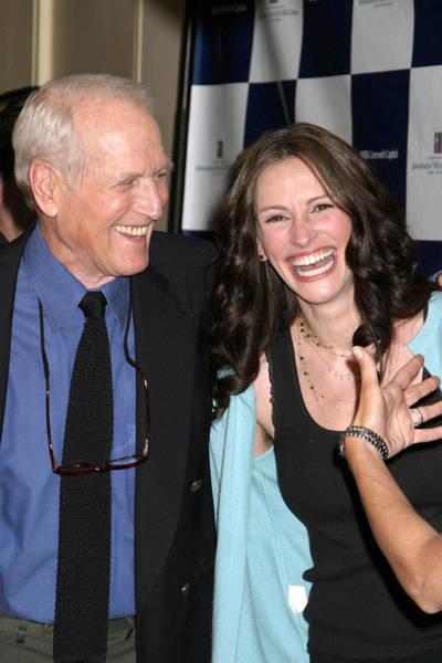 Fisher Center Photograph - Paul Newman, Julia Roberts At Arrivals by Everett