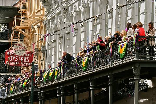 Photograph - Pearl Restaurant Parade Spectators by Jim Albritton