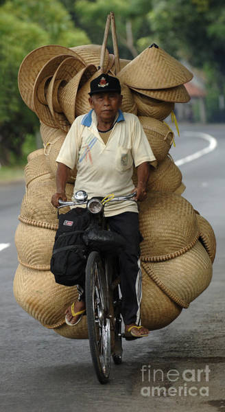 Hats For Sale Photograph - Peddling His Goods by Bob Christopher