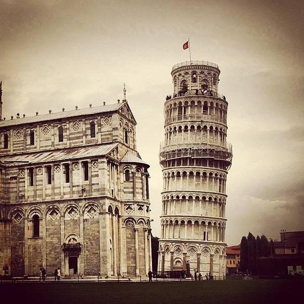 Italy Wall Art - Photograph - Pisa by Luisa Azzolini