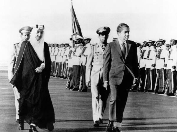 Energy Crisis Photograph - President Richard Nixon And King Faisel by Everett