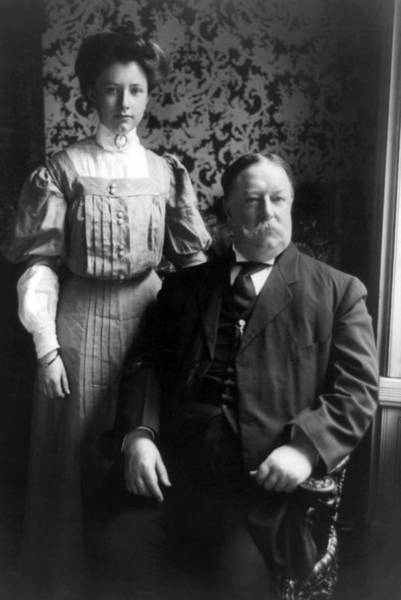 Wall Art - Photograph - President William Howard Taft With Daughter by International  Images