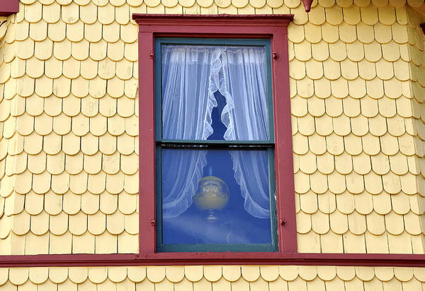 Queen Anne Style Photograph - Queen Annes Window by David Lee Thompson