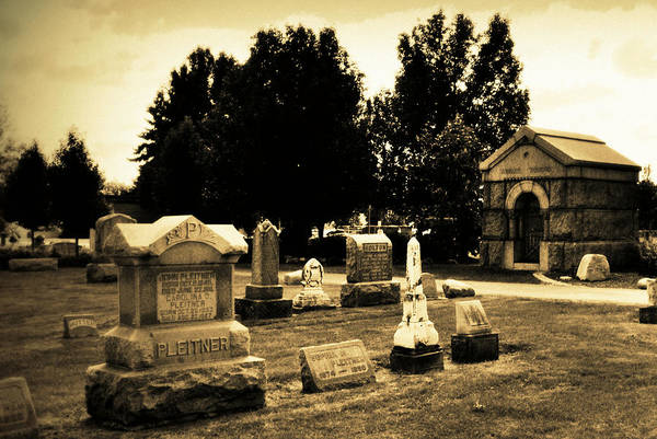 Photograph - Resting Place by Lora Mercado