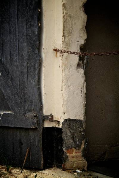 Rusty Chain Wall Art - Photograph - Restricted by Odd Jeppesen