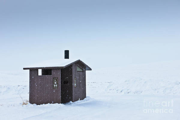 Unisex Photograph - Restroom In A Snowy Landscape by Dave & Les Jacobs