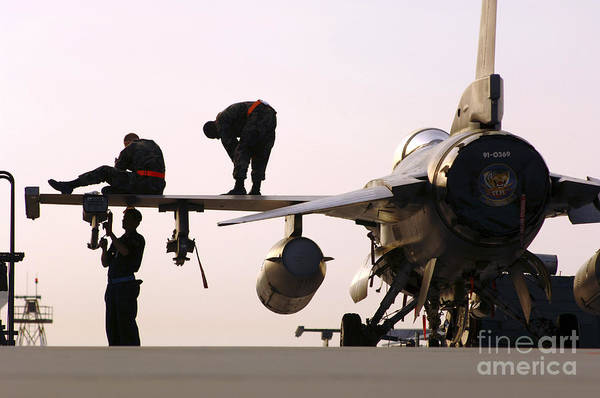 Photograph - Rew Chiefs Prepare An F-16 Fighting by Stocktrek Images