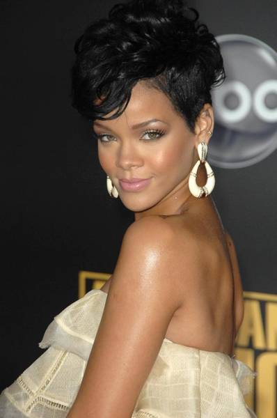 Nokia Photograph - Rihanna At Arrivals For 2008 American by Everett