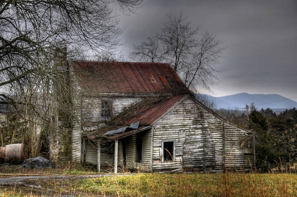 Chimnies Photograph - Run  Down by Todd Hostetter