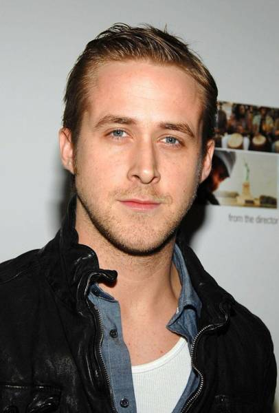 Ryan Gosling Photograph - Ryan Gosling At Arrivals For The by Everett