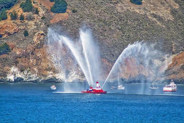 Photograph - San Francisco Fire Boat by Tom Singleton