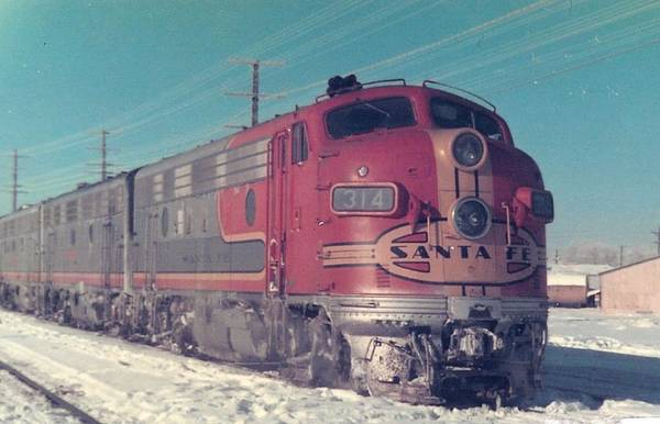 Photograph - Santa Fe A And B Units At Gallup New Mexico by Jamie Baldwin