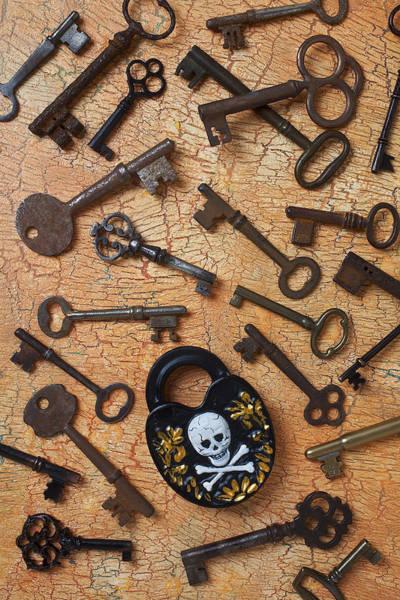 Skeleton Key Photograph - Skeleton Lock And Keys by Garry Gay