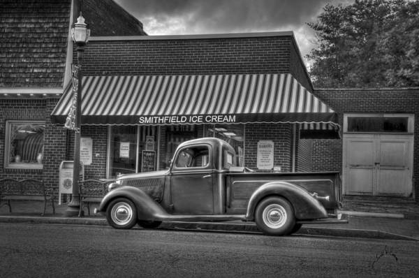 Photograph - Smithfield Ice Cream by Williams-Cairns Photography LLC