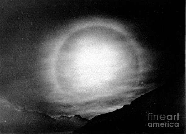 22 Degree Halo Wall Art - Photograph - Solar Halo, 1928 by Science Source