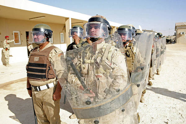 Bracing Photograph - Soldiers From The 7th Iraqi Army by Stocktrek Images