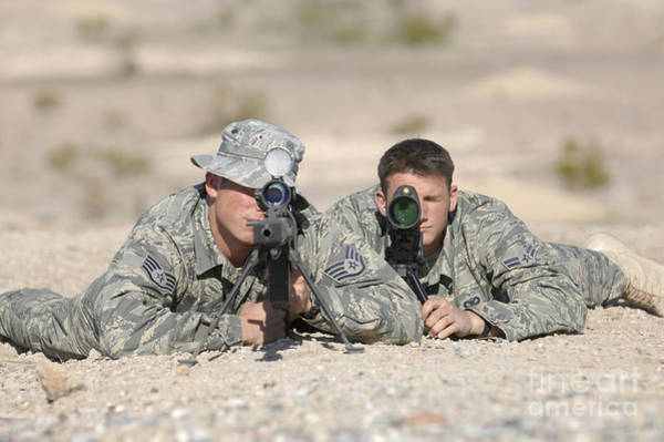 Sharpshooter Wall Art - Photograph - Soldiers Look Through The Scope by Stocktrek Images