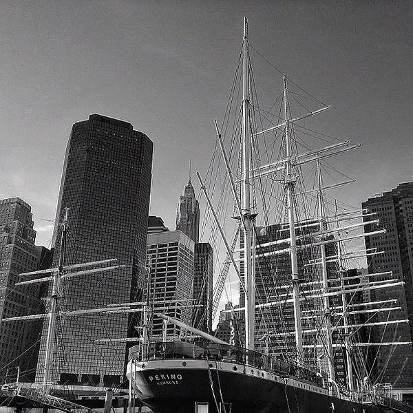 Newyorker Photograph - South Street Seaport - New York by Joel Lopez