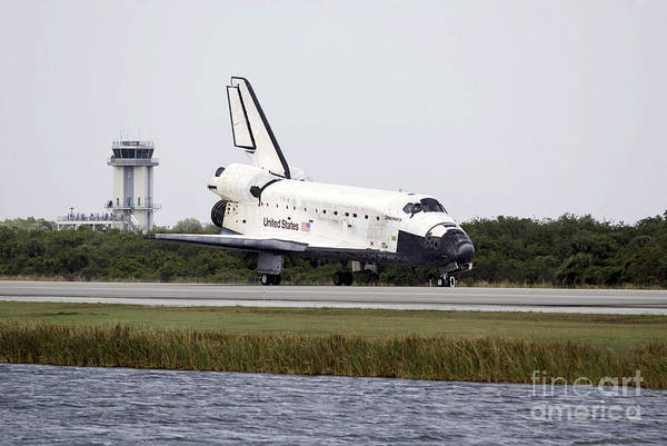 Photograph - Space Shuttle Discovery On The Runway by Stocktrek Images