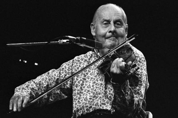 Photograph - Stephane Grappelli 1 by Dragan Kudjerski
