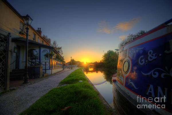 Photograph - Sunrise At The Boat Inn by Yhun Suarez