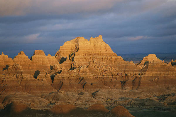 North Dakota Badlands Wall Art - Photograph - Sunset On The Claystone Buttes by Annie Griffiths