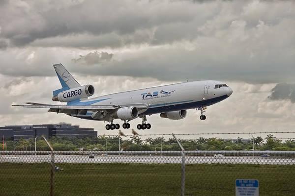 Tab Photograph - Tab Aircraft Landing. Miami. Fl. Usa by Juan Carlos Ferro Duque