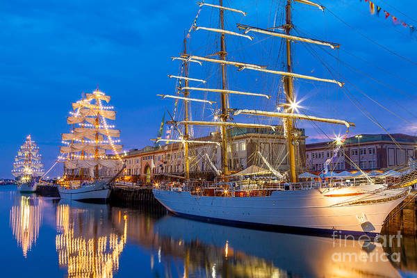Photograph - Tall Ship Glow by Susan Cole Kelly