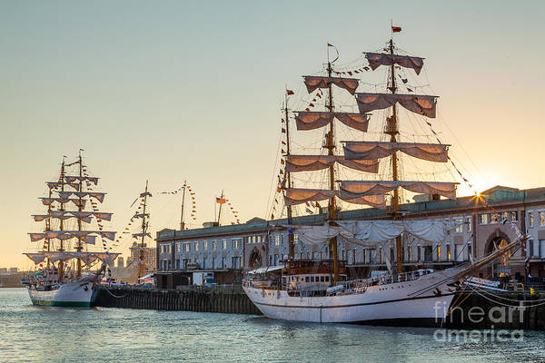 Photograph - Tall Ship Sunstar by Susan Cole Kelly