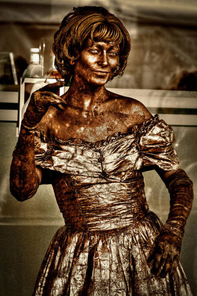 Wall Art - Photograph - The Bronze Lady In Pike Place Market by David Patterson