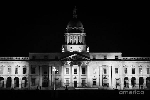 Wall Art - Photograph - The Custom House Dublin by Joe Fox