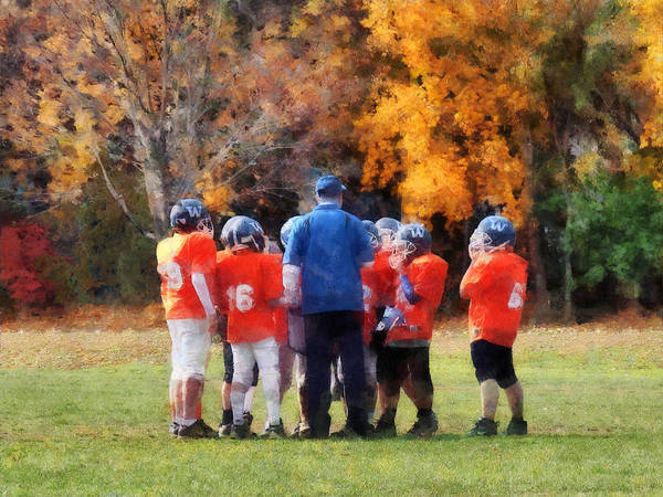 Photograph - The Huddle by Susan Savad