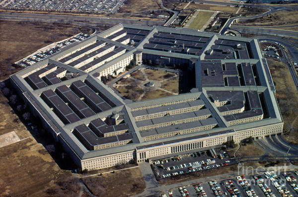 Department Of Defense Photograph - The Pentagon by Photo Researchers