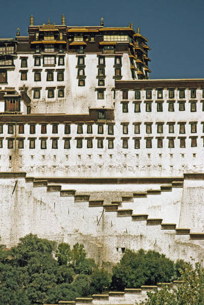 Wall Art - Photograph - The Potala, Former Abode Of The Exiled by Gordon Wiltsie