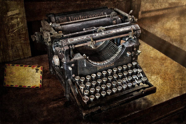 Photograph - Underwood Typewriter by Susan Candelario