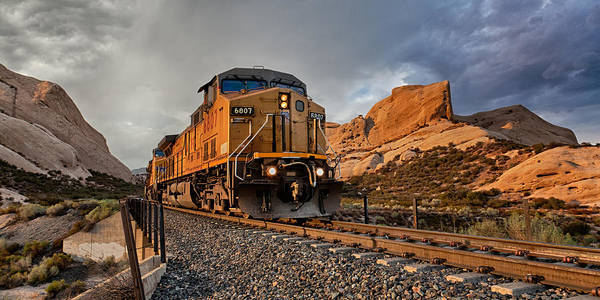 Photograph - Union Pacific 6807 Wide Screen by Peter Tellone