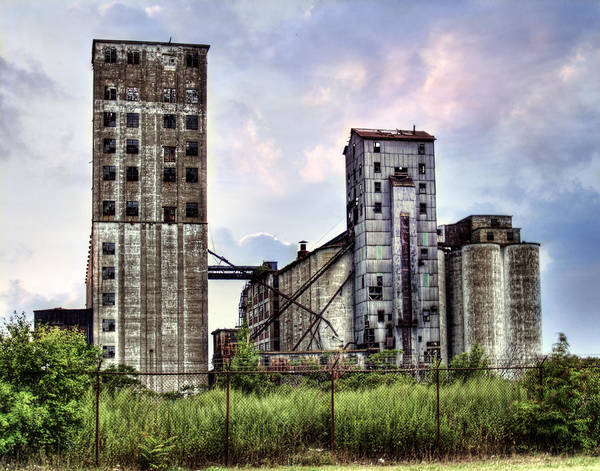 Wall Art - Photograph - Urban Sky by Tammy Wetzel