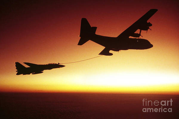 U.s. Navy F-14a Tomcat Aerial Refueling Art Print
