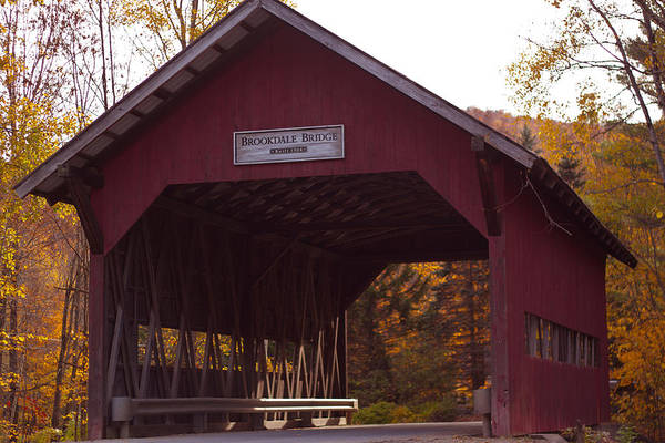 Smugglers Notch Photograph - Vermont Covered Bridge by Robert Torkomian